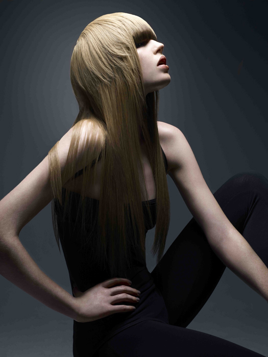 Blonde_Long_Length_Layered_Cut_with_a_Fringe